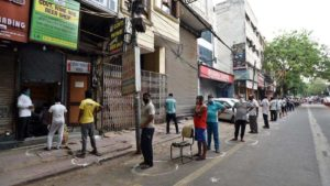 long queues outside liquor shops